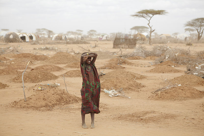 800px-Oxfam_East_Africa_-_A_mass_grave_for_children_in_Dadaab