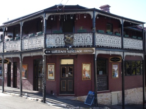 Sir_William_Wallace_Hotel_Balmain_1