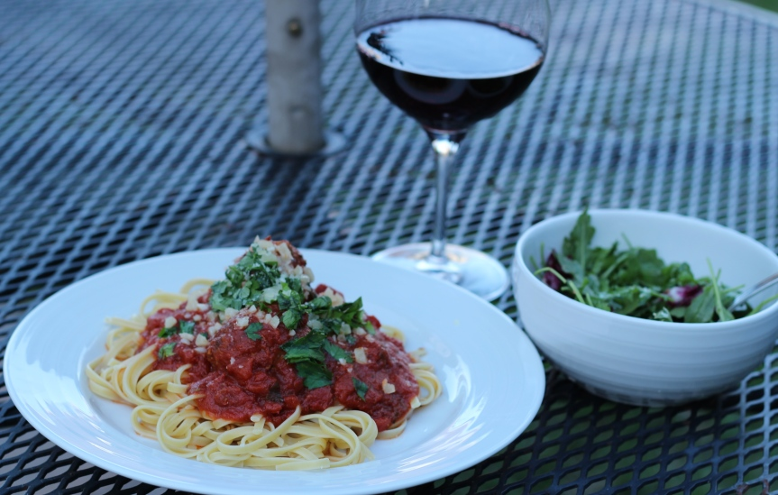 Midweek Delicacy: Meatball-off Vegetarian vs Meat withSpaghetti