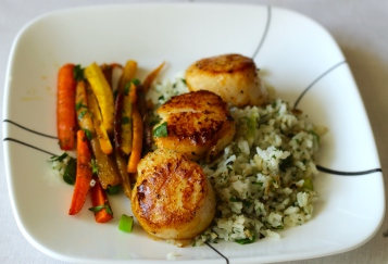 Seared Scallops w Herbed Rice