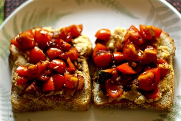Bean Spread with Tomatoes Bruschetta